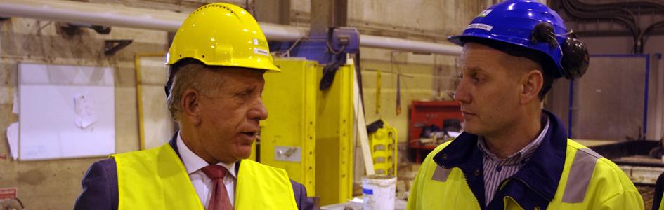 Kosovos vice premiärminister besöker fabriken