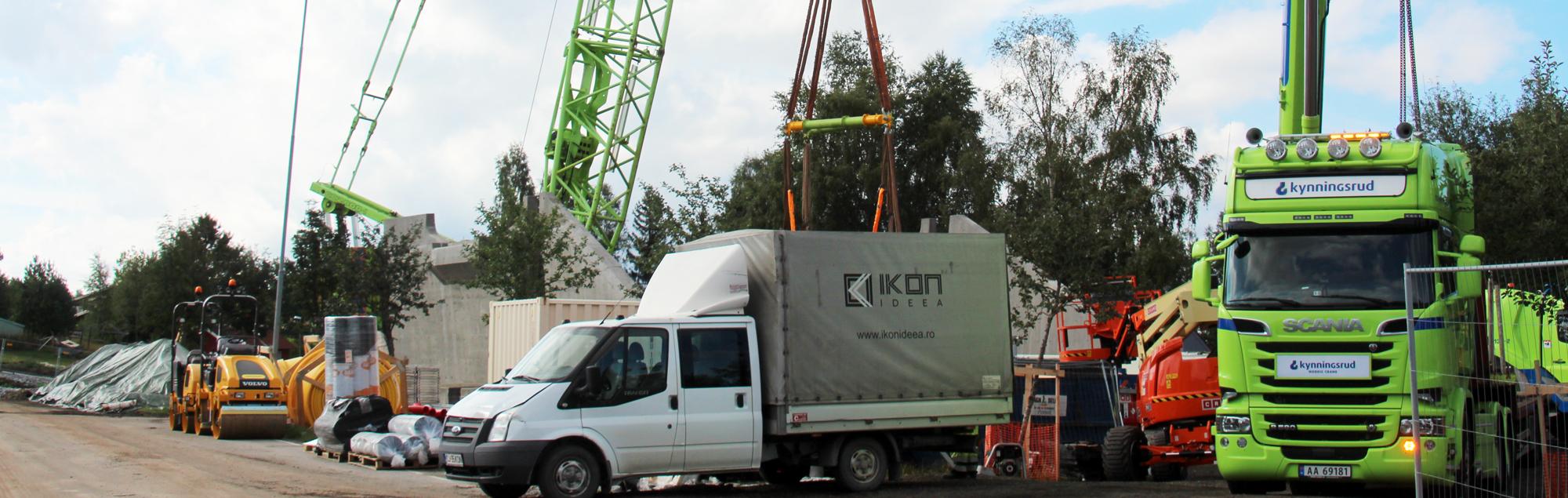Beltekran flytter betongelementer på Løten