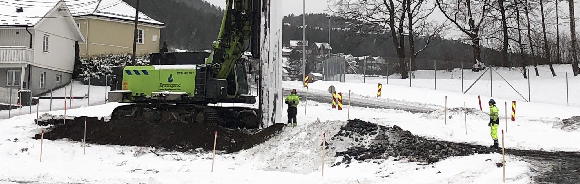 Grundläggning för kulvert på ny dubbelspårig järnväg